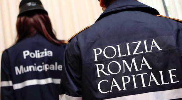 Corruzione a Roma, quattro arresti in Comune tra cui un vigile e due funzionari