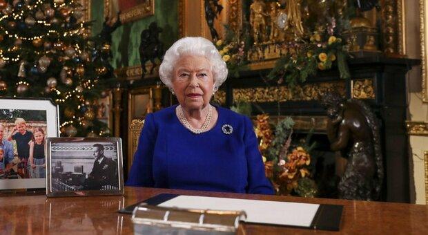 La regina Elisabetta torna al lavoro dopo lo stop per la pandemia, ospiterà Biden a Buckingham Palace