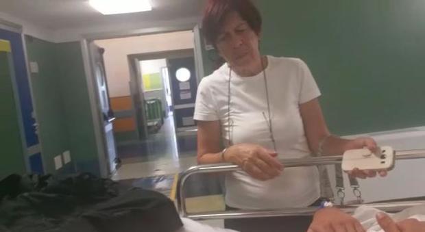 Roma, pestato sulla metro, la mamma: «Sono mite, ma se ti toccano un figlio posso fare di tutto per proteggerlo»