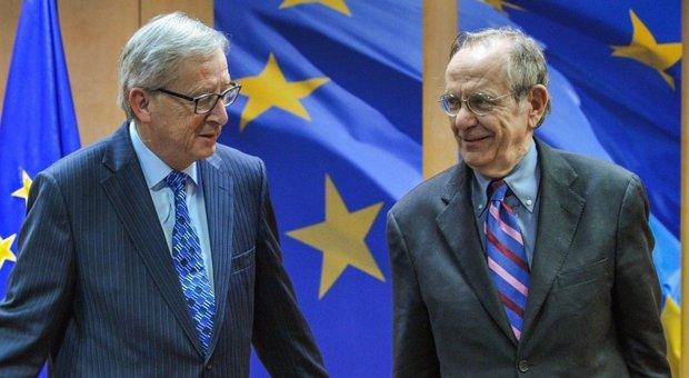Juncker e Padoan (ansa)