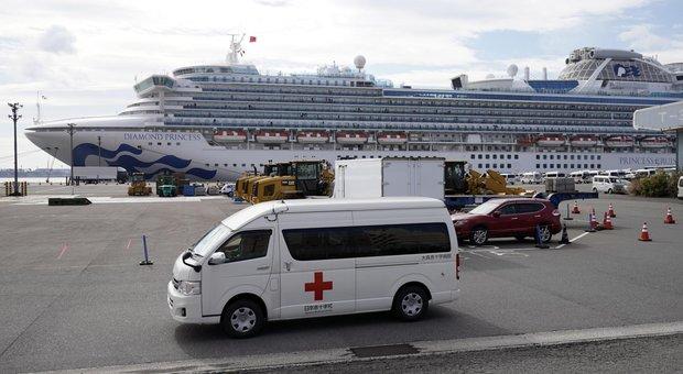 Coronavirus, nave ferma a Yokohama con 179 persone affette, disperazione tra i passeggeri: «Piangiamo tutta la notte»