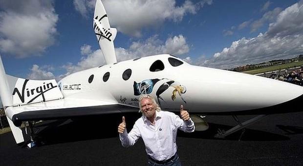 """Sui voli della Virgin Galactic anche tre """"astronauti"""" italiani"""