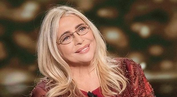 """Mara Venier, a Natale il nuovo programma """"La porta dei Sogni"""": primi ospiti Bocelli, Cannavacciuolo e Arisa"""