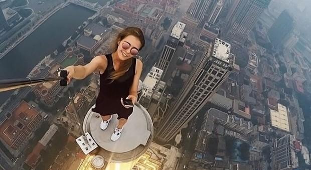 Morire di selfie: almeno 259 vittime in sei anni