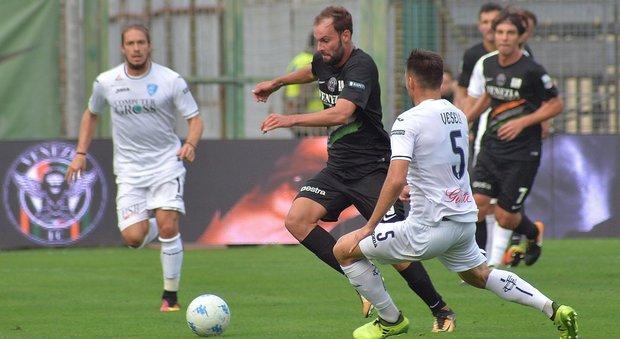 Serie B, il Venezia batte l'Empoli: Inzaghi è primo in classifica. Il Palermo perde con il Novara