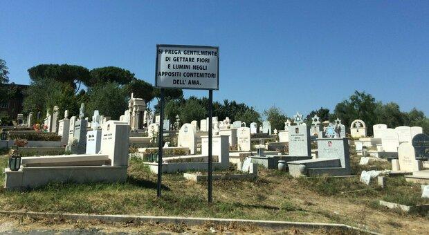 Roma, «più morti a ottobre». I cimiteri vanno in tilt: stop alle cremazioni