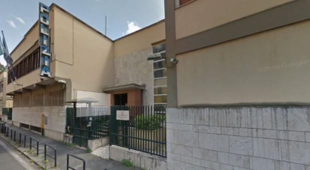 Roma, viale Gorizia, trova due borse piene di gioielli e le consegna alla Polizia: commosso il proprietario