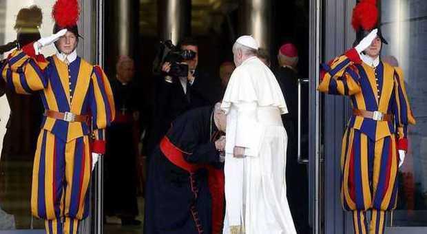Sinodo, il Papa ai cardinali: «Parlate chiaro». Erdo: «I divorziati appartengono alla Chiesa»