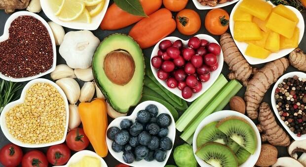 """Dieta senza grassi per 9 giorni, il """"medium"""" dei vip: «Così si disintossica il corpo»"""