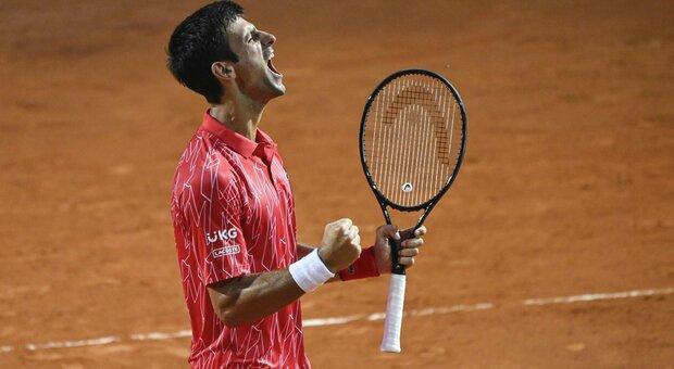 Internazionali, Djokovic doma Schwartzman: è il quinto trionfo al Foro Italico