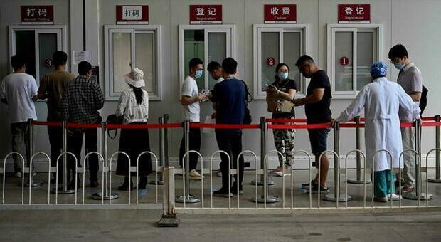 Variante Delta, la Cina: «Potrebbe diminuire la protezione dei vaccini, ma nostre dosi efficaci»