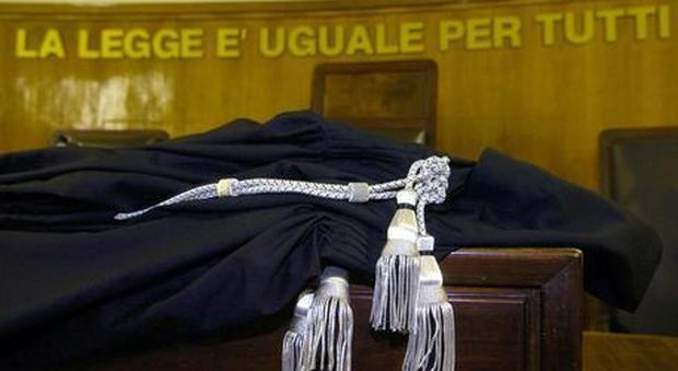 Roma, facoltoso imprenditore raggirato: in 6 a processo