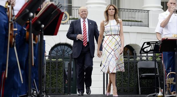 Melania Trump superstar, ora tutte le donne dal chirurgo per somigliare alla First Lady