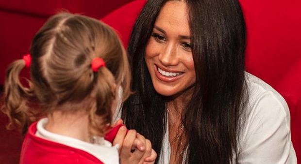 Meghan Markle compie 39 anni, Kate Middleton spiazza tutti con un gesto inaspettato