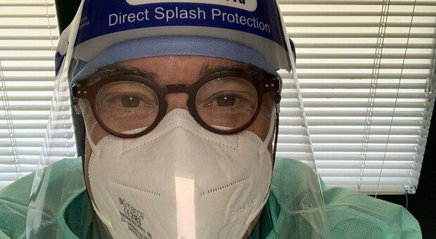 Covid, il dottor Braga contro Sgarbi sulle mascherine: «Anche oggi lavoro così, viene a multarmi?»