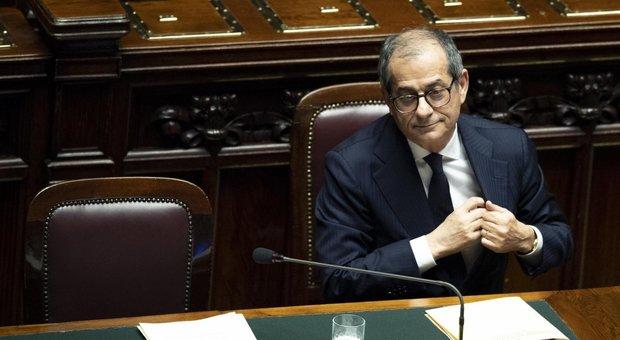 Di Maio: 'Bye bye vitalizi anche nelle Regioni'