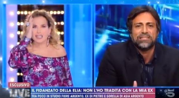 Pietro Delle Piane, Barbara D'Urso furiosa con il fidanzato di Antonella Elia (e gli spegne il microfono)
