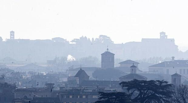 Roma 5/a in Europa per costo inquinamento, 4 miliardi/anno