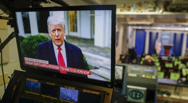 Donald Trump pronto al ritorno, ma nuova indagine sui conti. Biden: «Democrazia fragile»