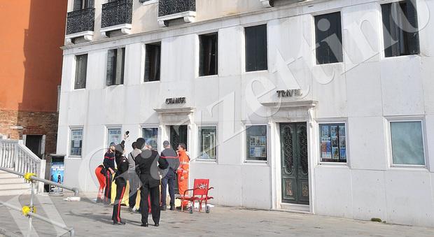Choc A Venezia Turista Suicida Si Butta Dalla Terrazza Dell