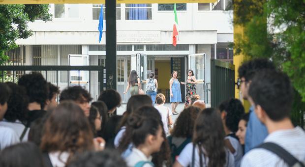Calendario Scolastico 2020 Bolzano.Si Torna Sui Banchi Il 5 Settembre Iniziano I Ragazzi Di