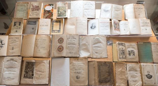 La mostra di testi antichi su Dante a palazzo dei Papi