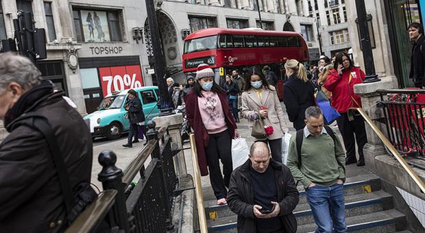Covid Gran Bretagna: tremila contagi, picco di maggio uguagliato. In Francia 7 zone rosse
