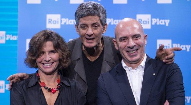 Fiorello con l'ad della Rai, Fabrizio Salini, ed Elena Capparelli, direttore di RaiPlay
