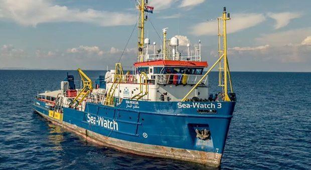 """Sea Watch vince l'appello a Palermo. La Ong su Twitter: """"Torniamo in mare"""""""