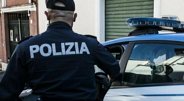 Roma, prima soccorso e poi arrestato: 40enne ferito a forbiciate dopo una lite era ricercato