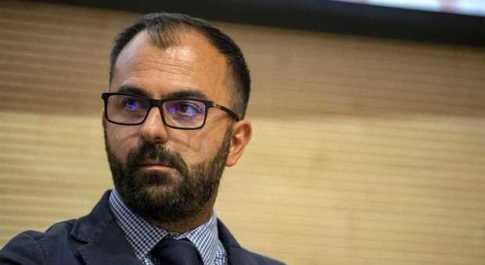 Manovra, pochi fondi per la scuola: ministro Fioramonti verso le dimissioni