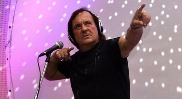 Riccardo Cioni è morto a 66 anni: «Era il più grande dj della Toscana». A Natale aveva avuto il Covid