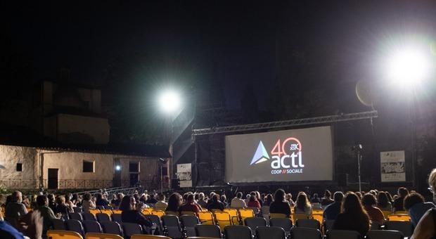 Actl, quarant'anni di storia: festa all'anfiteatro e il 12 sul palco Simone Cristicchi