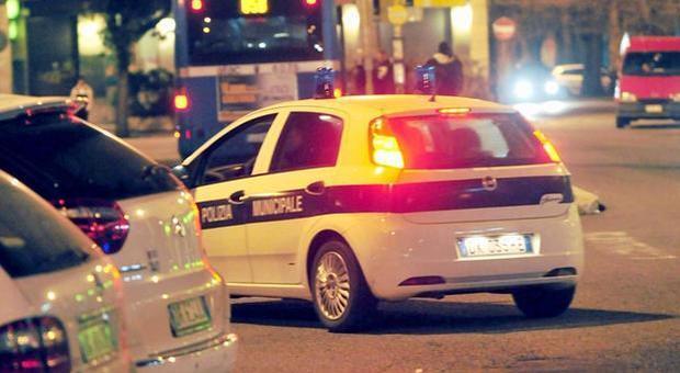Roma, incidente con la moto in via di Boccea: morto 38enne