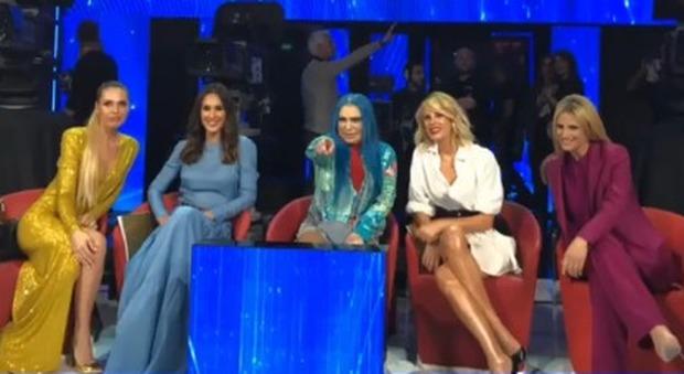 Blasi, Marcuzzi, Toffanin e Hunziker: le Spice girls della tv fanno impazzire Amici