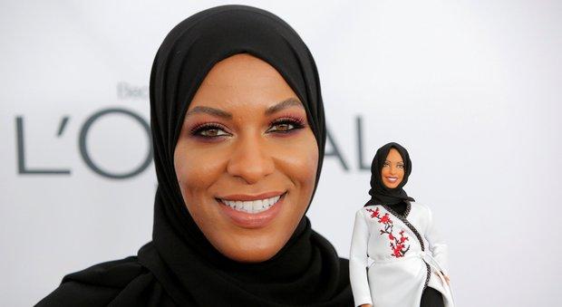 Usa, arriva la Barbie con il velo: è una campionessa di scherma