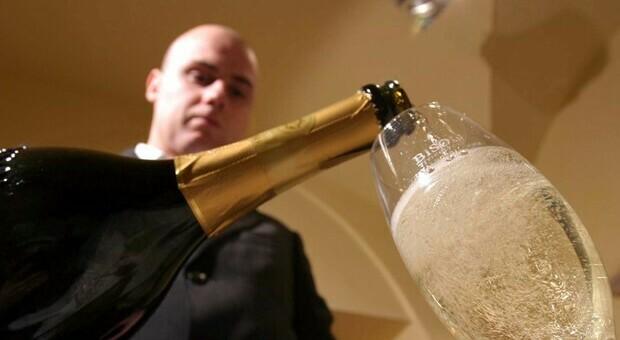 Champagne, allarme bollicine: senza più eventi niente vendemmia