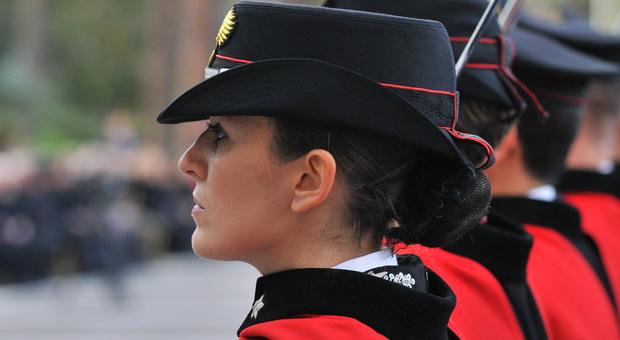 Carabinieri, Jessica Barattin l'unica donna tenente in Calabria: «Do la caccia ai latitanti ma non rinuncio ai miei sogni»