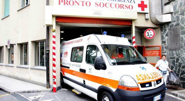 Sedicenne morto per un colpo di fucile esploso in casa, giallo a Urbino