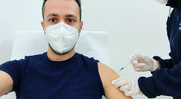 Il commissario D'Angelo: «Il ritiro di un lotto AstraZeneca non è un'inibizione al vaccino»