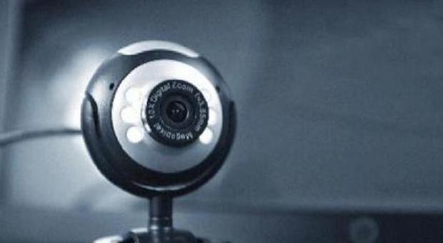Hacker russi violano le webcam: spiati migliaia di cittadini dall ...