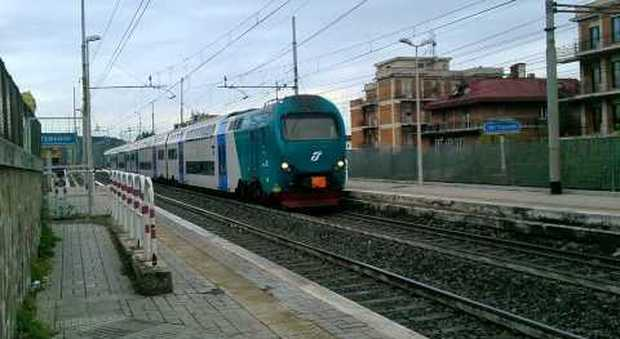 Roma, treno investe un uomo a Settebagni, ferrovia bloccata in entrambe le direzioni