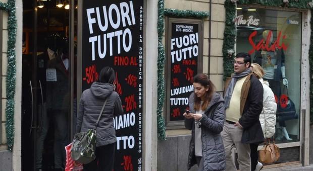 Saldi al via a Roma, appello Confesercenti: «Il Comune faccia rispettare le regole»