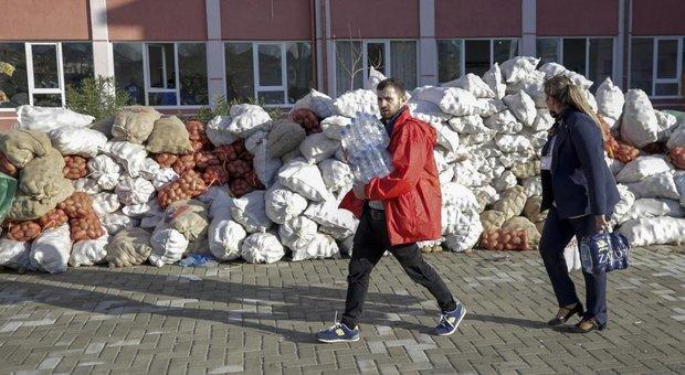 Terremoto Albania, 51 i morti: interrotte le ricerche tra le macerie, incubo sfollati