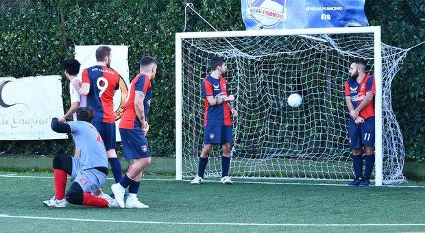 Il gol del Real Fiumicino siglato da capitan Mazzuca