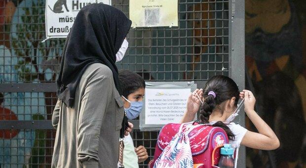 Terza dose vaccino a settembre in Germania ad anziani e fragili. GB decide nei prossimi giorni