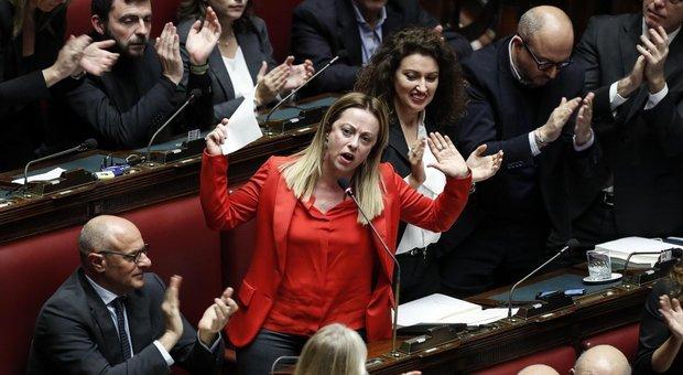 Meloni: «Il governo cadrà anche senza i cambi di casacca»