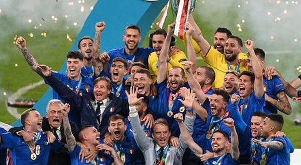 Italia campione d'Europa: domani in edicola con Il Messaggero l inserto sul trionfo azzurro
