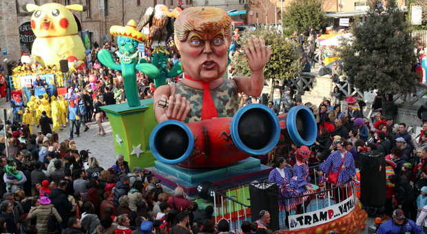 vendite calde moda ultimo Il Carnevale sale sul carro: da oggi cortei e sfilate di mascherine