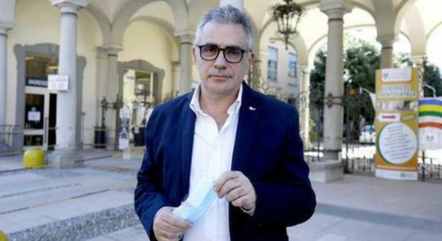 Covid, il virologo Pregliasco: «Sotto i 1000 casi, l'Italia sta tenendo. Nessun disastro per le vacanze»